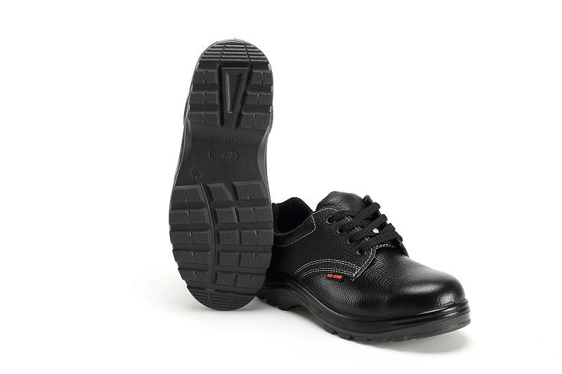 防刺穿绝缘鞋