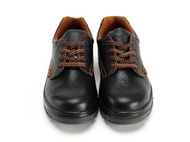安全鞋供应商谈电绝缘鞋的使用注意事项