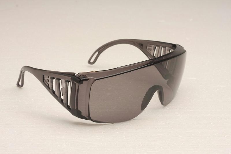 安全护目镜