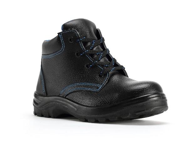 不同环境下劳保防护安全鞋的作用