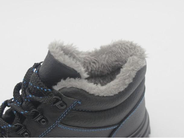 在冬天如何选择安全鞋