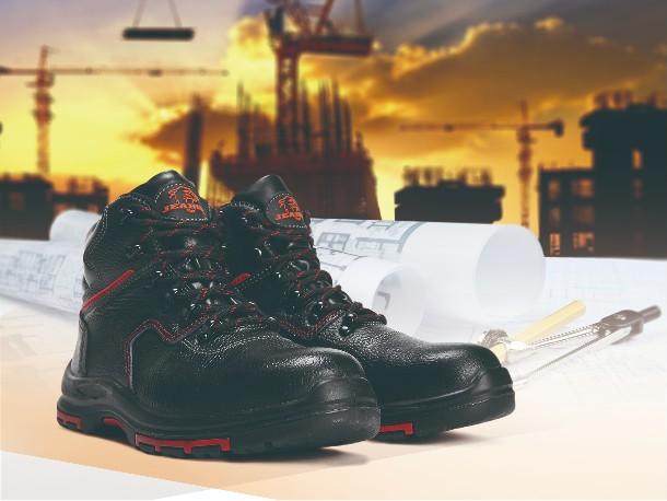 华信安全提醒您 一定要选择穿着舒适的-防砸劳保鞋