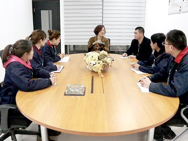 华信安全-团队会议