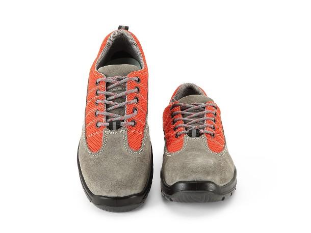 吉豹劳保鞋用实力护趾