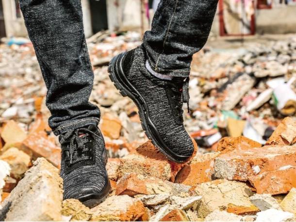 防刺穿安全鞋,让行走不再胆战心惊