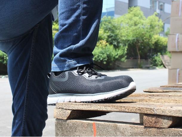 杂交风潮重新定义劳保鞋 让劳保鞋也能压大街