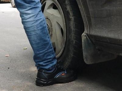 华信安全鞋车压体验